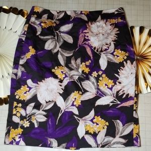 Ann Taylor Floral Pencil Skirt size 8